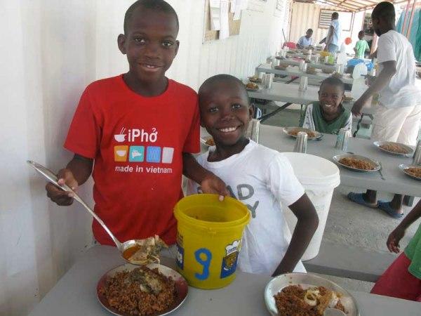 Algunos de los beneficiarios del proyecto de NPH financiado por Manos Unidas- Foto Nuestros Pequeños hermanos