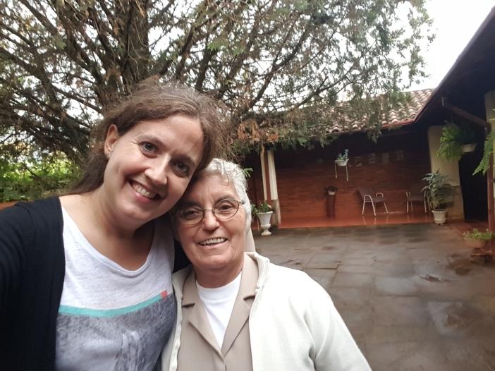 El 3 de octubre de 2016 pude conocer en persona el trabajo de la Hermana Rosalía, Nancy y Cristina en Paso Yobái. Foto Selfie Marta Isabel González/Manos Unidas