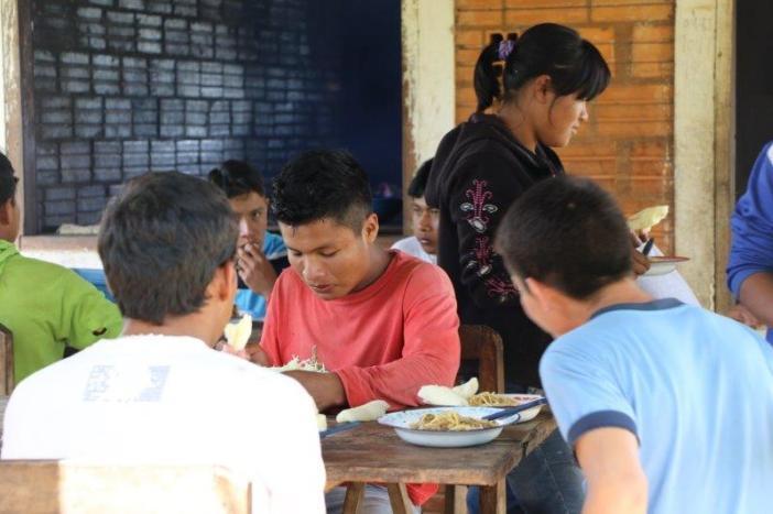 Cientos de jóvenes reciben formación en el Centro de Formación Agropecuaria que han promovido las hermanas en Isla Hu. Foto Marta Isabel González/Manos Unidas