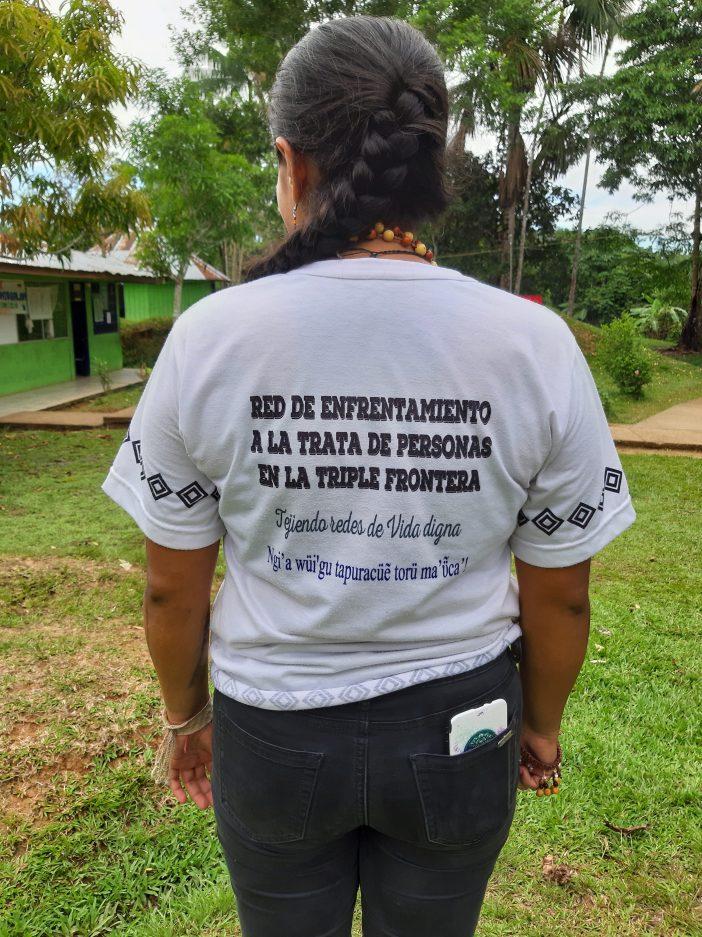 Nathalia Forero con la camiseta de la Red. Foto. Marta Isabel González Álvarez/CIDSE y REPAM