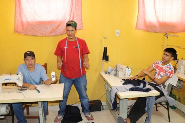 Taller de costura-Cárcel Paraguay. Foto Marta Isabel González
