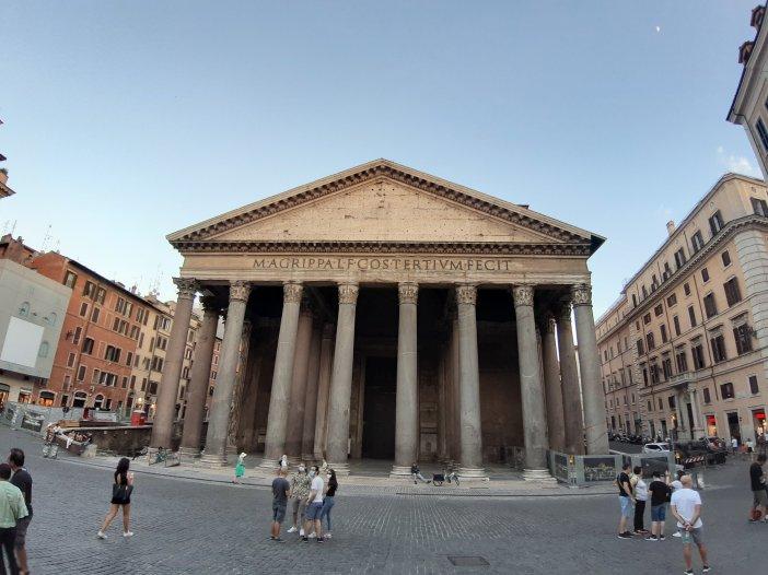 El Panteón es sin duda mi monumento preferido de Roma. No hay una sola vez que lo vea y no se me encoja el corazón. Foto @migasocial
