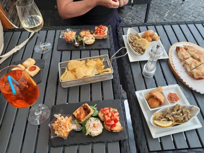 Aperitivo de Wine Bar De' Penitenzieri FOTO @migasocial