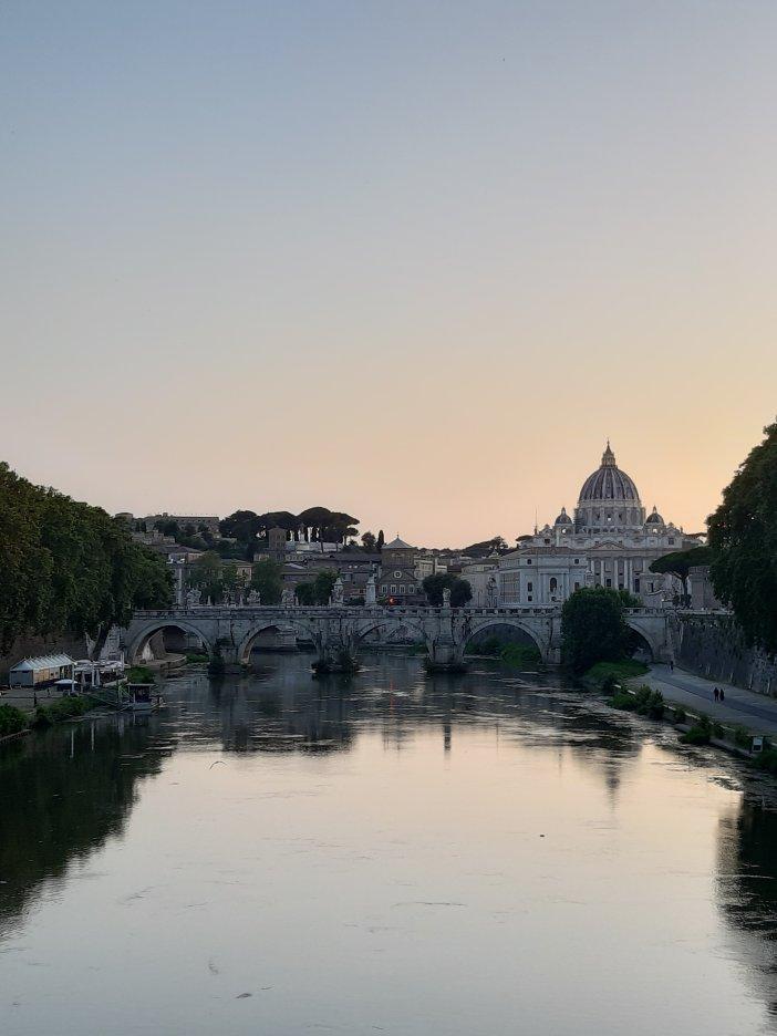 Foto del Vaticano, el Tíber y el Puente Sant'Angelo tomada desde el puente Umberto I. FOTO @migasocial