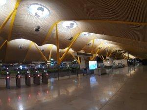 Imagen del aeropuerto T4 de Barajas el 16 de junio de 2020. Foto @migasocial