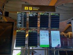 Imagen de las casi inexistentes salidas desde el aeropuerto T4 de Barajas el 16 de junio de 2020. Foto @migasocial